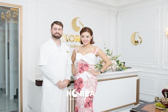 Diễn viên Thanh Dương và bác sĩ, chuyên gia John. Karick
