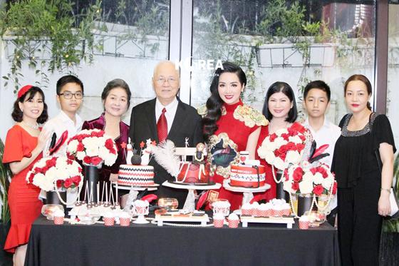 Dáng S line sang chảnh - Hoa hậu giáng My tỏa sáng rực rỡ trong sinh nhật thứ 46 2