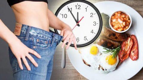 Thời gian ăn sáng cũng đóng vai trò quan trọng trong việc giảm cân nhờ bữa sáng