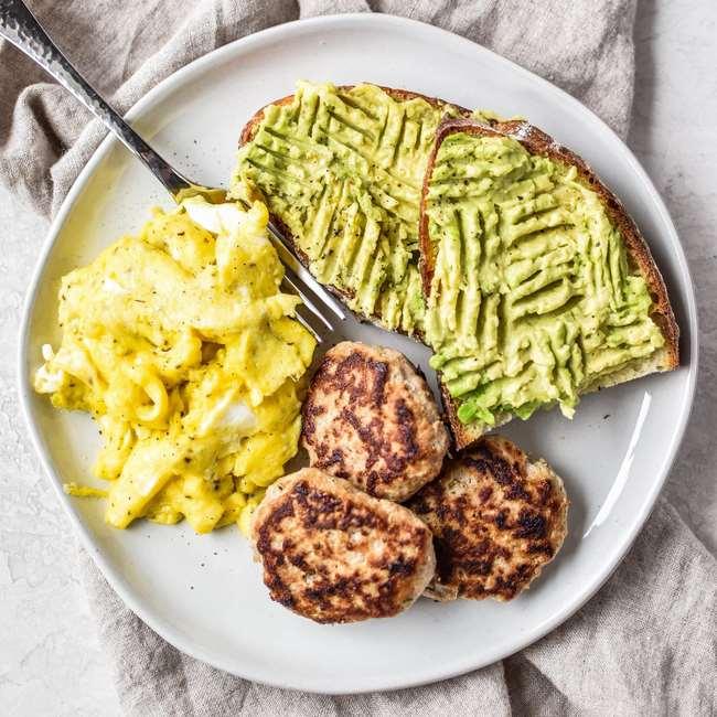 Hãy thử bữa sáng giảm cân từ gà tây băm nhỏ để đổi gió nếu đã nhàm chán với những món ăn quen thuộc