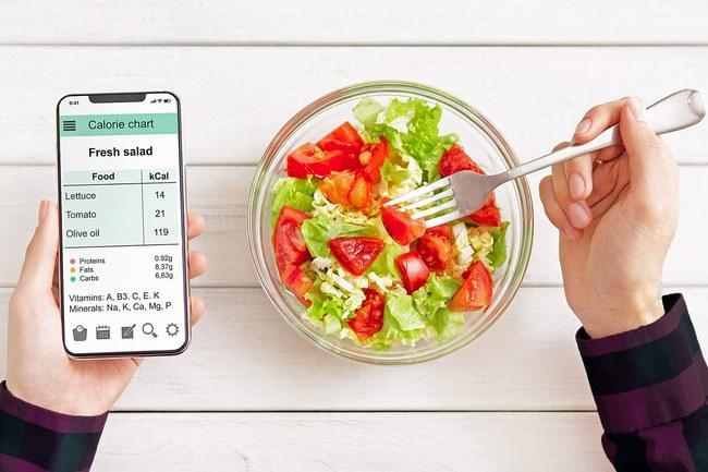 Để lên được kế hoạch thực đơn cho người tập gym giảm cân bạn cần tính toán được lượng calo mà mình tiêu thụ hàng ngày