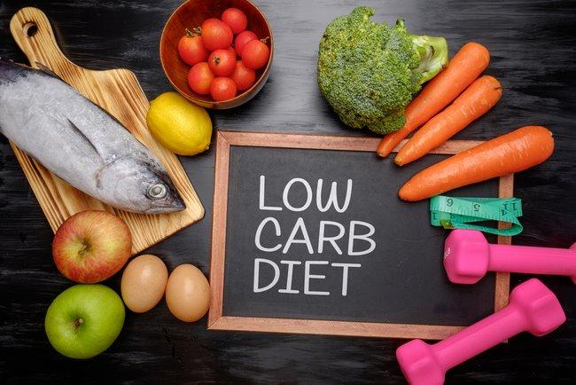 Low carb là một trong những chế độ ăn kiêng giảm cân phổ biến nhất hiện nay được nhiều người lựa chọn