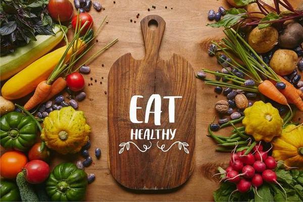 Một thực đơn cân bằng giúp giảm mỡ bụng sau sinh tại nhà an toàn mà vẫn đủ dinh dưỡng