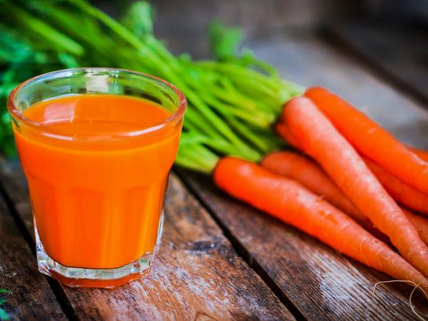 Nước ép cà rốt là một loại nước ép giảm mỡ bụng rất tốt