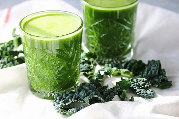 Công thức nước ép giảm mỡ bụng bằng nước ép cải xoăn