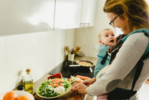 Chọn những món ăn nhẹ lành mạnh để tạo thói quen tốt trong quá trình giảm béo bụng sau sinh mổ