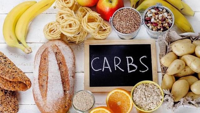 Một cách giảm mỡ bụng tại nhà không dùng thuốc khác là cắt giảm carbs