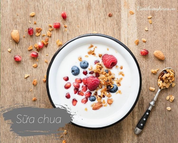 Sữa chua là một loại thực phẩm từ sữa tuyệt vờ, Có một đường ruột khỏe mạnh có thể giúp bảo vệ chống lại chứng viêm và kháng leptin, là một trong những tác nhân chính gây ra bệnh béo phì.