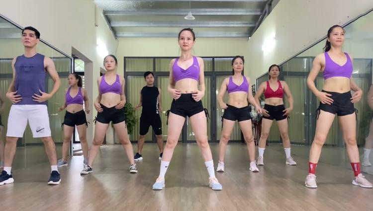 Tập Aerobic đánh tan mỡ bụng hiệu quả, nhanh chóng