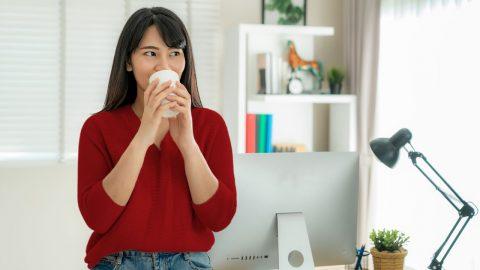 uống nước trà xanh giảm béo