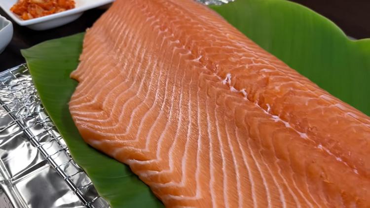 Cá hồi chứa một lượng dồi dào protein và axit béo omega-3 cung cấp dinh dưỡng tuyệt vời
