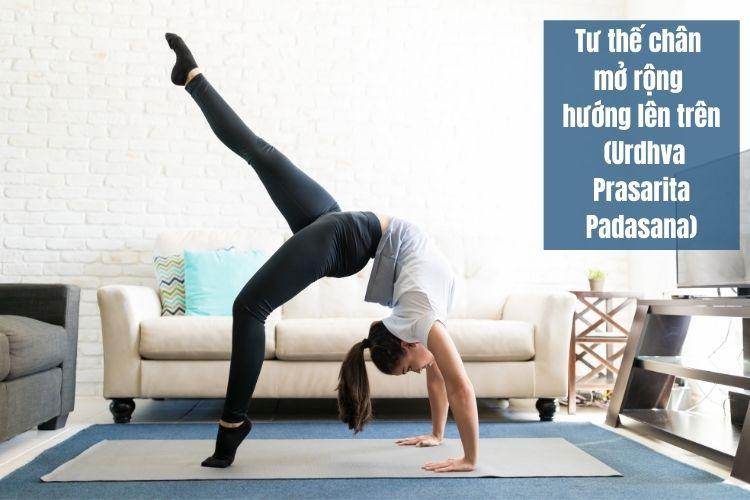 Giảm mỡ bụng hiệu quả với tư thế chân mở rộng hướng lên trên